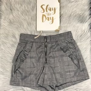 Haute Monde Gray / Black Paid Shorts